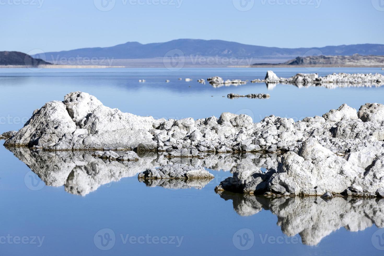 lago mono foto