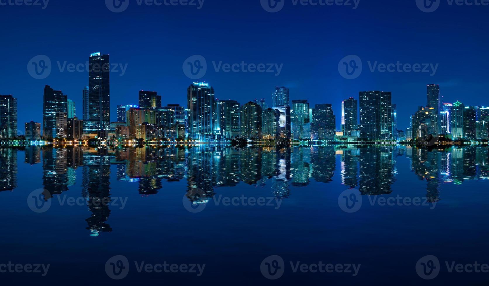 miami skyline noche panorama foto