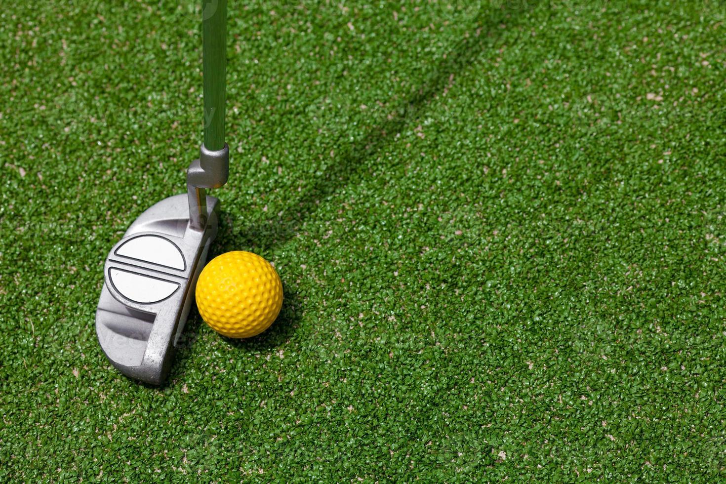 golfclub en bal bovenaanzicht foto