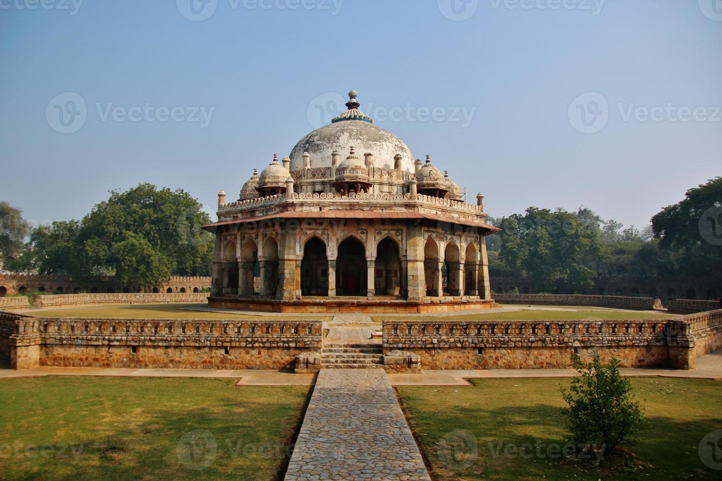 la tumba de isa khan niyazi en delhi foto