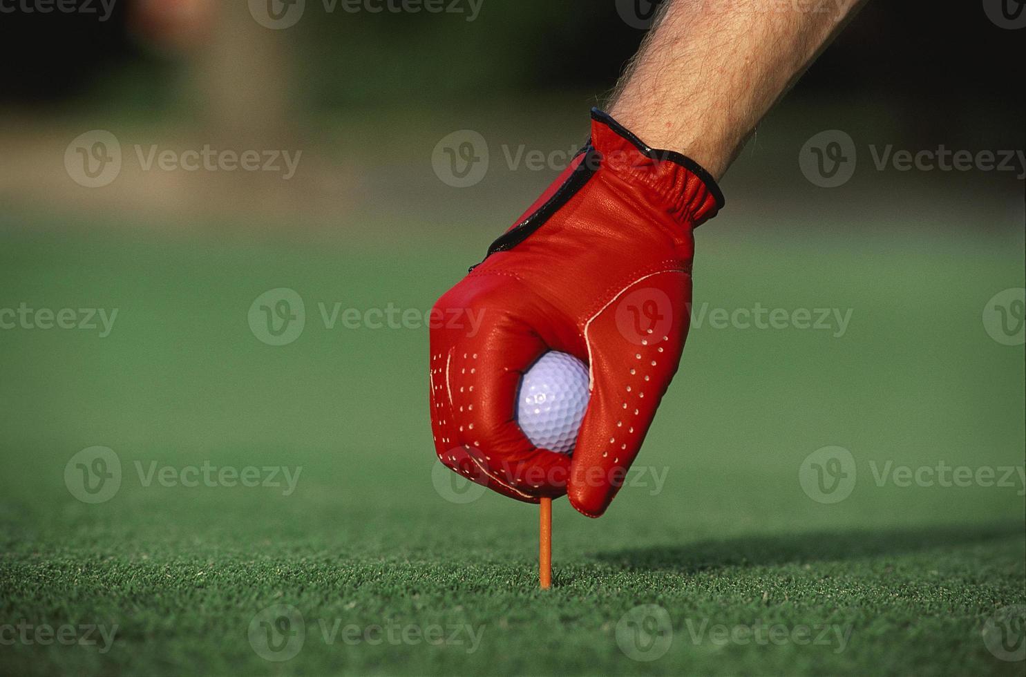 preparándose para comenzar el juego de golf foto
