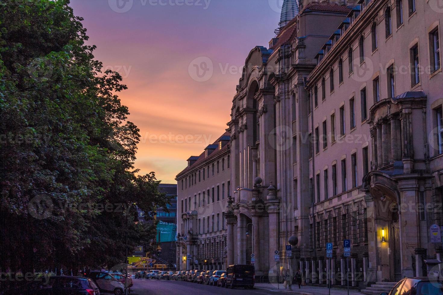 puesta de sol en berlín, mitte foto