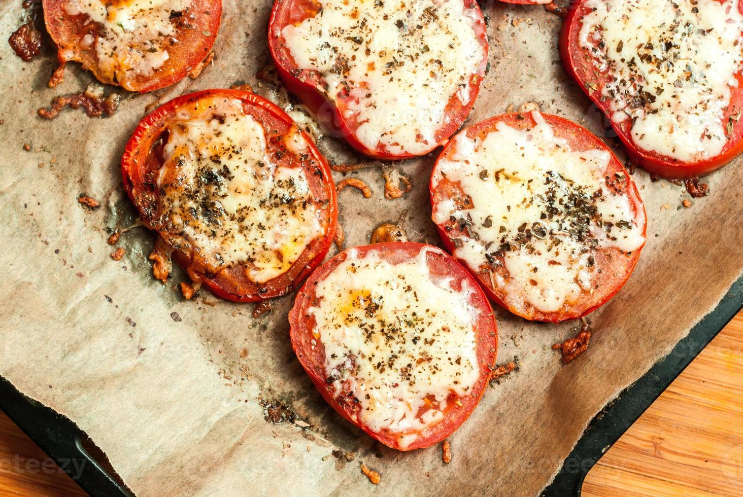 baked tomatoes photo