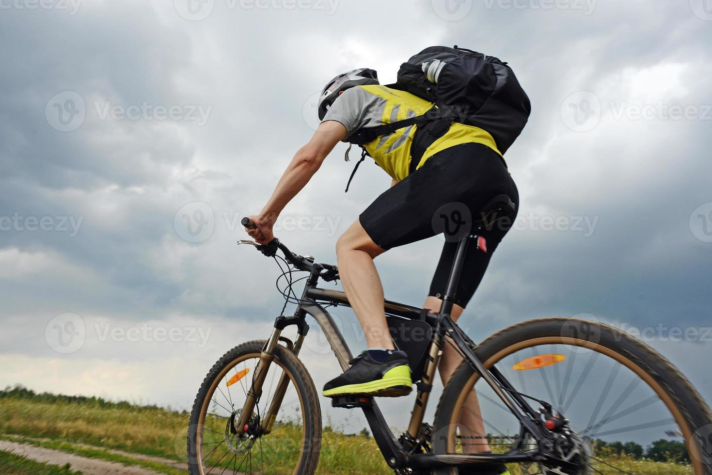 deporte extremo en bicicleta de montaña foto