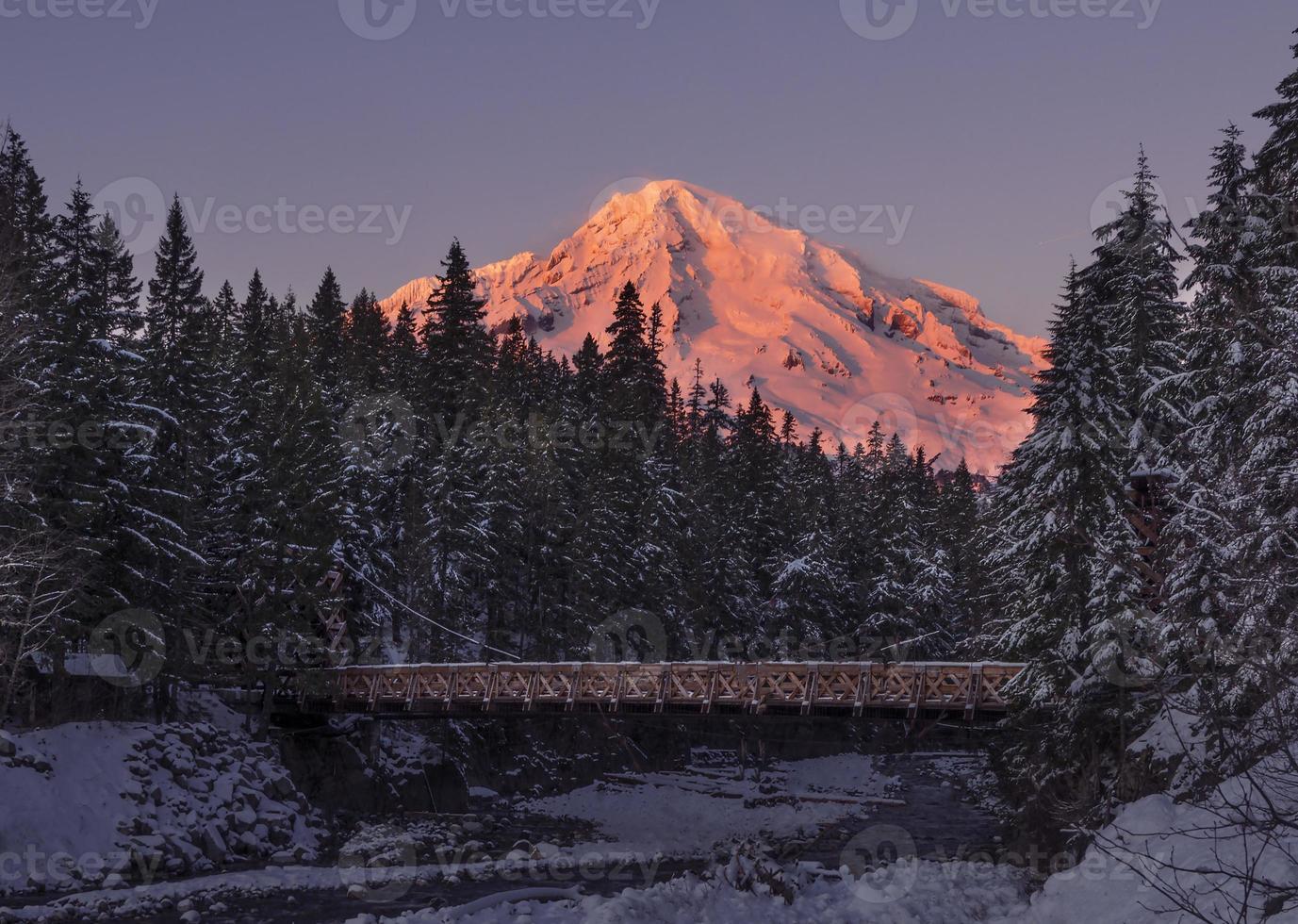 Monte Rainier al atardecer foto