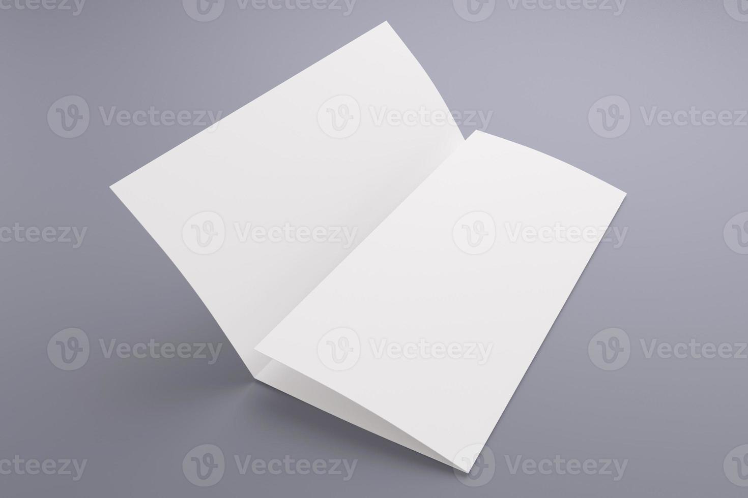 folleto tríptico en blanco aislado en gris foto