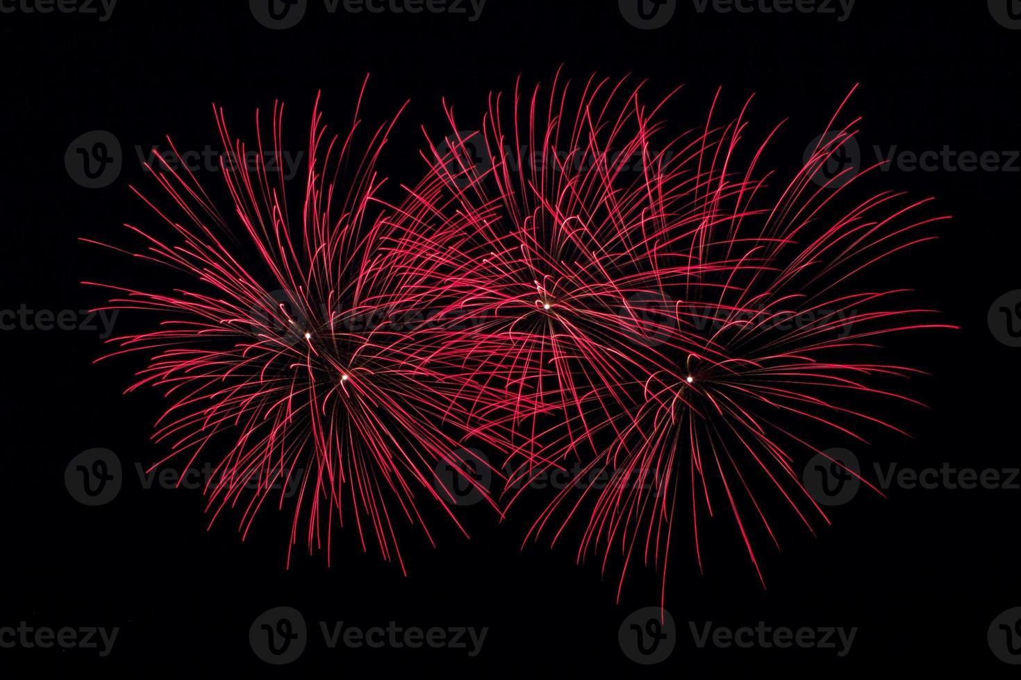 fuegos artificiales rojos foto