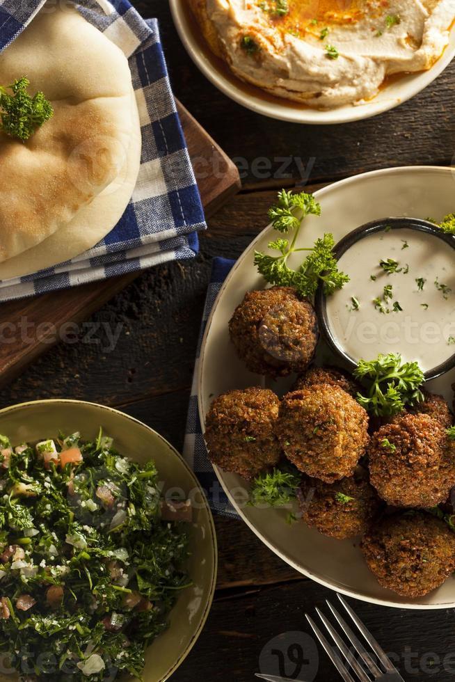 Bolas de falafel vegetarianas saludables foto