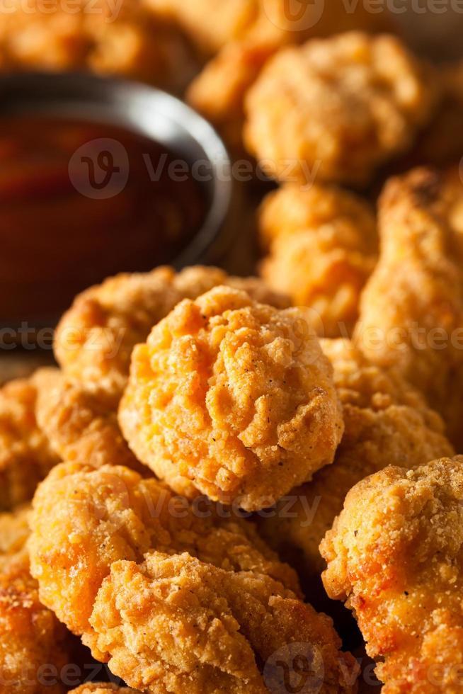 pollo crujiente casero de palomitas de maíz foto