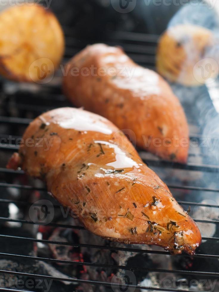 pechuga de pollo a la parrilla foto