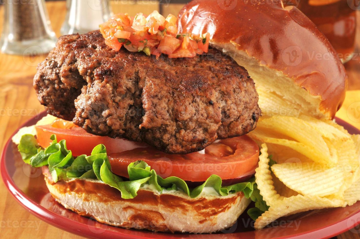 hambúrguer grosso foto