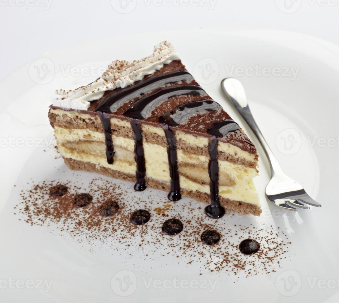 cream chocolate cake sweet food photo