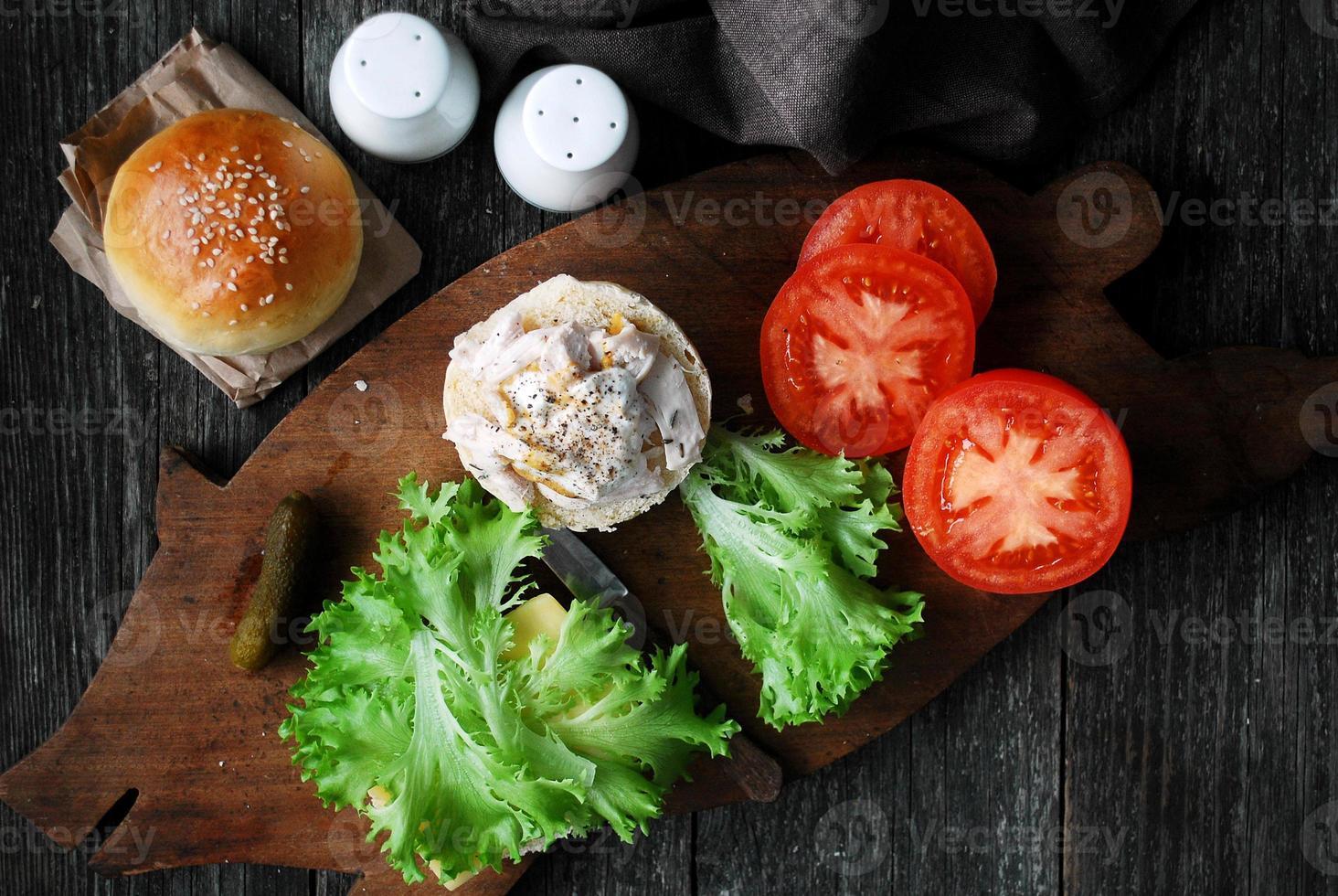 cocinar sandwich de pollo foto