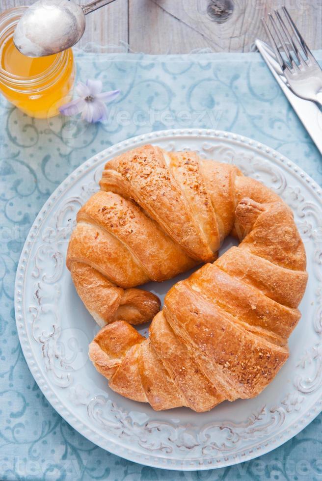 ontbijt met croissant foto