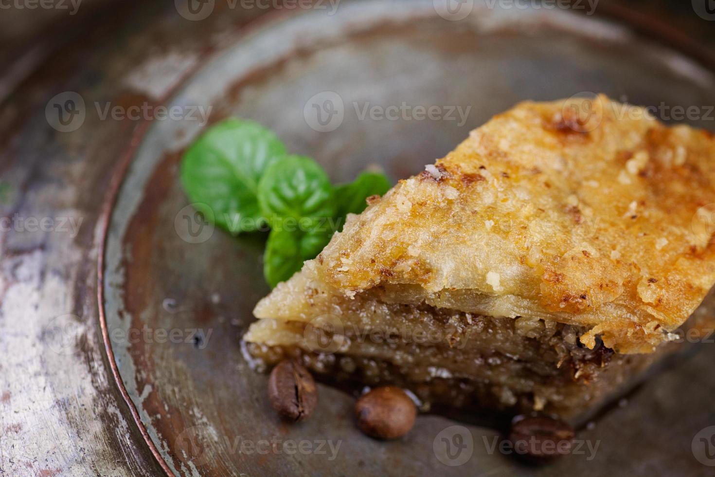 postre de pastelería baklava foto