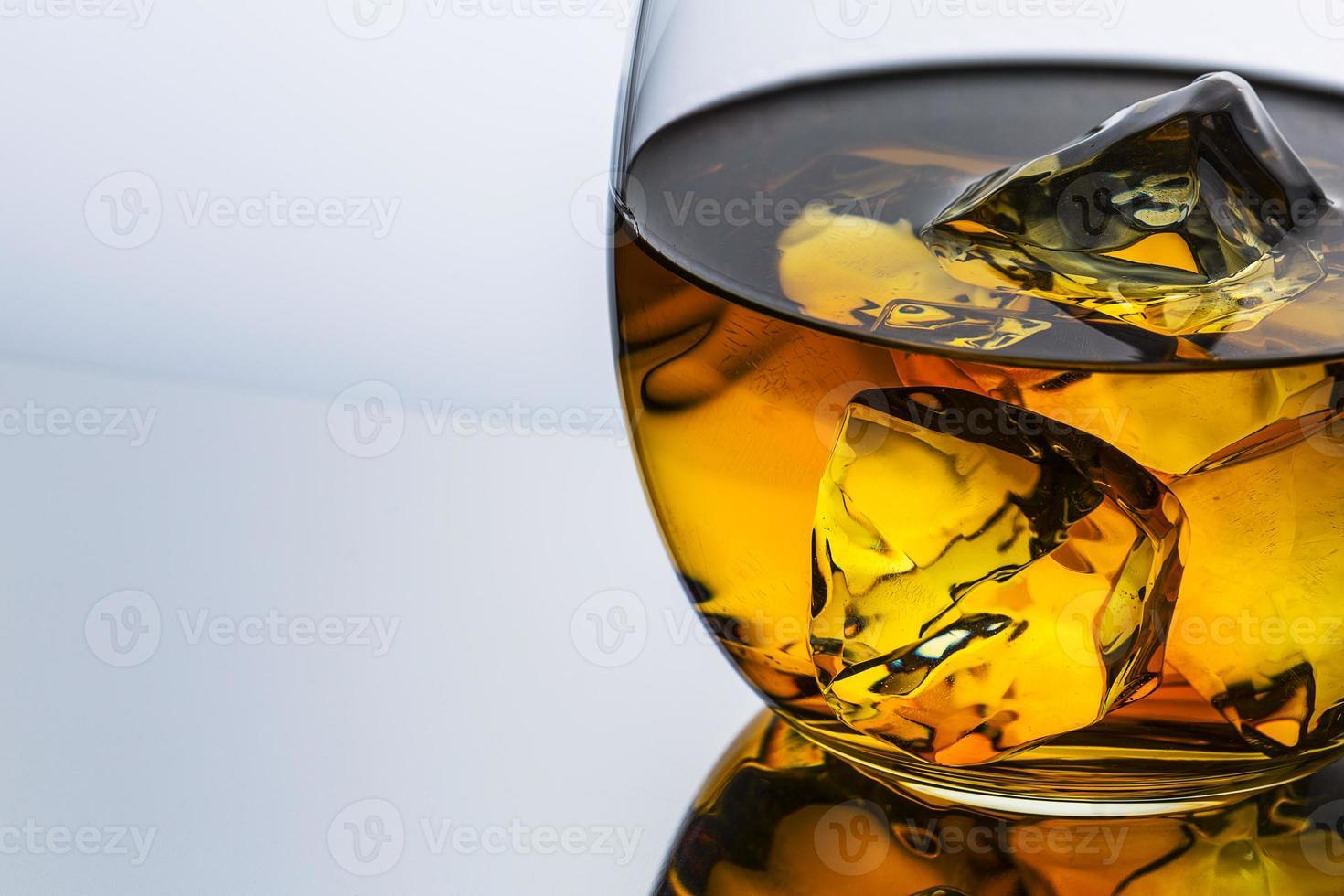 primer plano de whisky foto