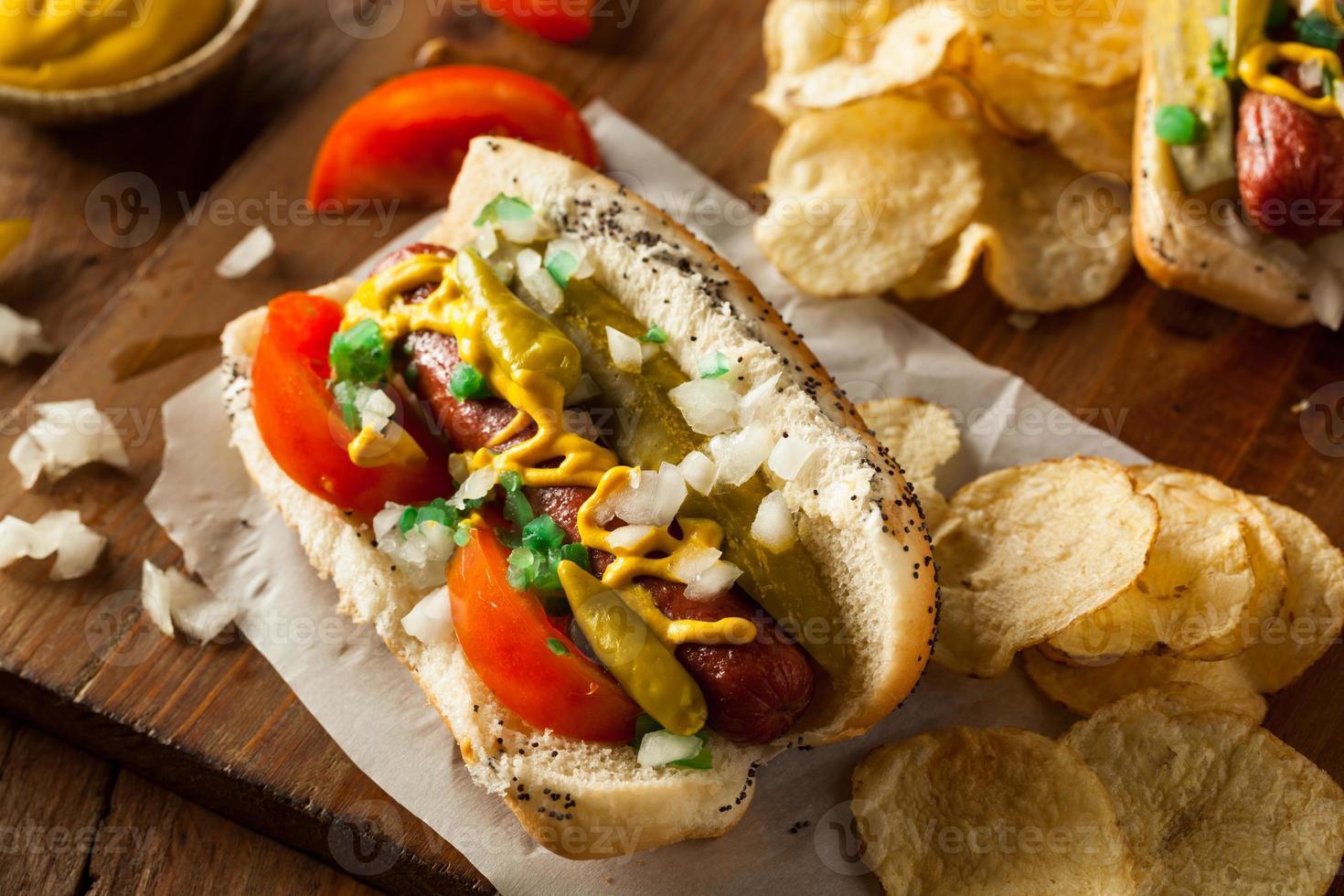 hot dog casero estilo Chicago foto