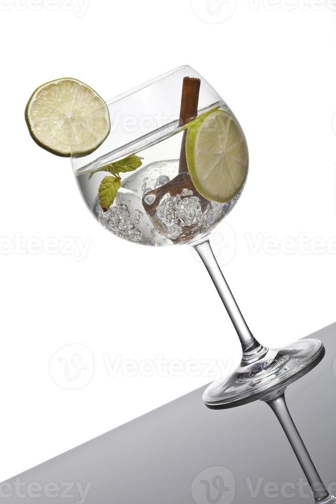 Gin tonic cocktail photo
