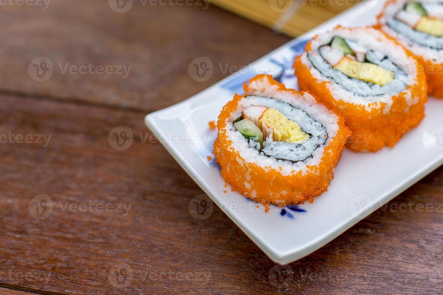 California roll sushi maki - comida japonesa foto