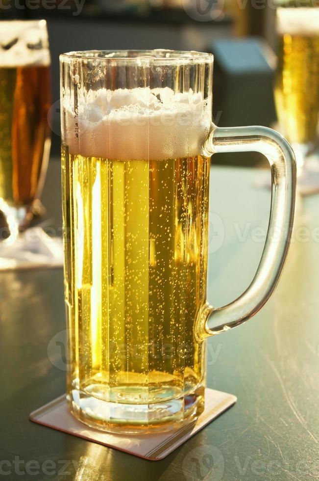 cerveza de barril fresca foto