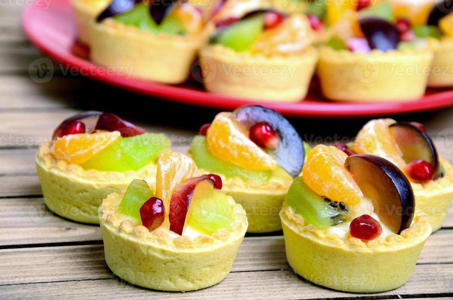 mini tarta de frutas foto