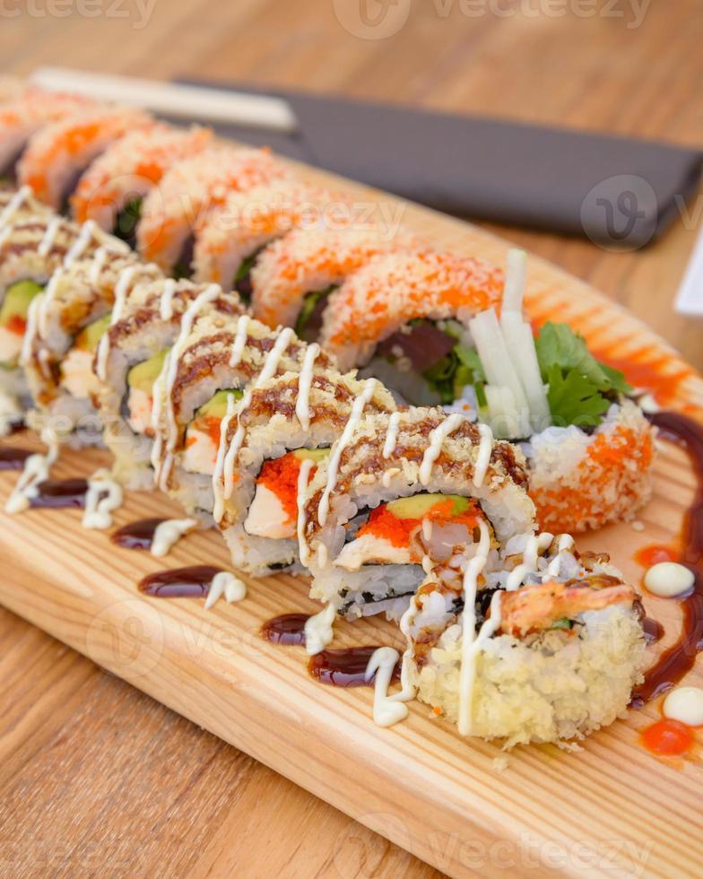 rollos de sushi maki foto
