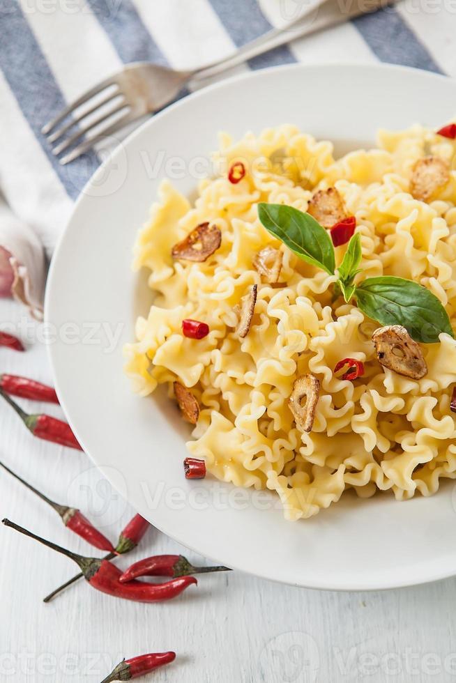 Spaghetti putanesca photo