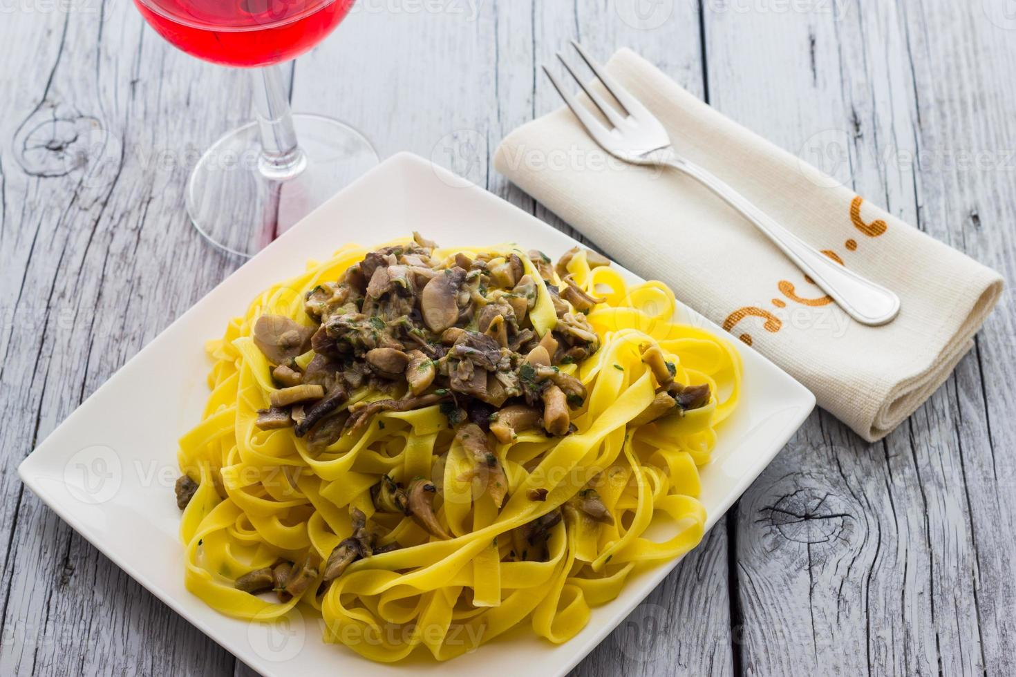 Noodles  with mushrooms photo