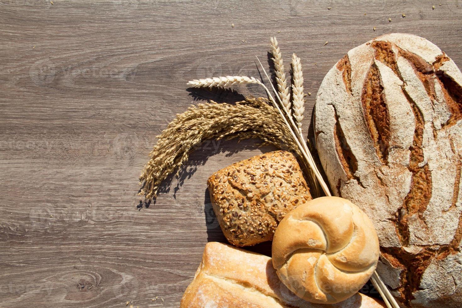 pan de panadería y gavilla foto