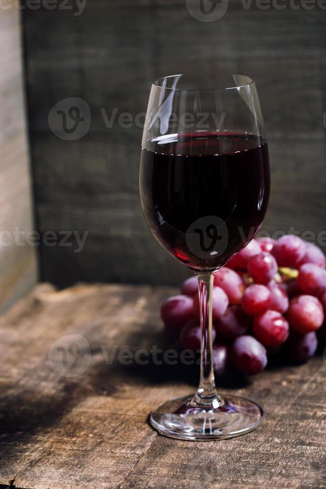 vino y uva foto