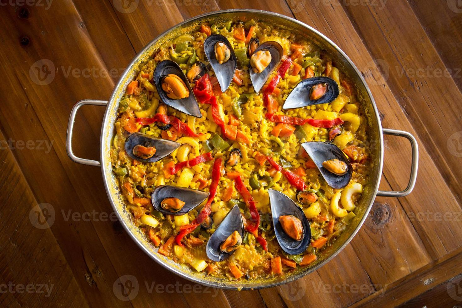 paella con mejillones foto