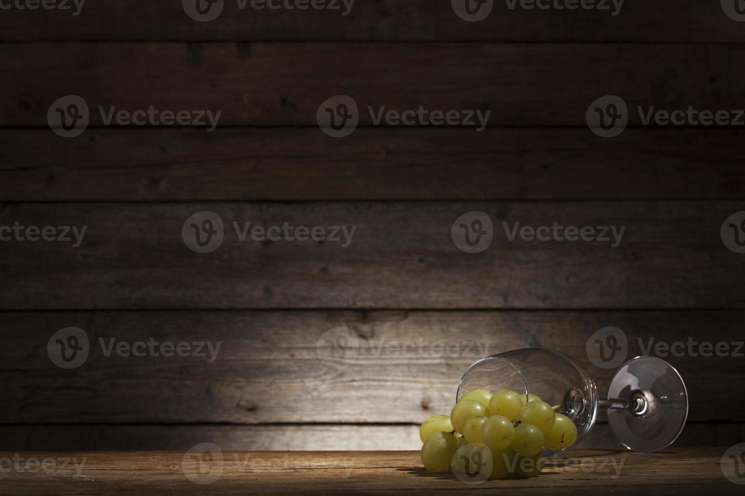 vidrio y uva foto