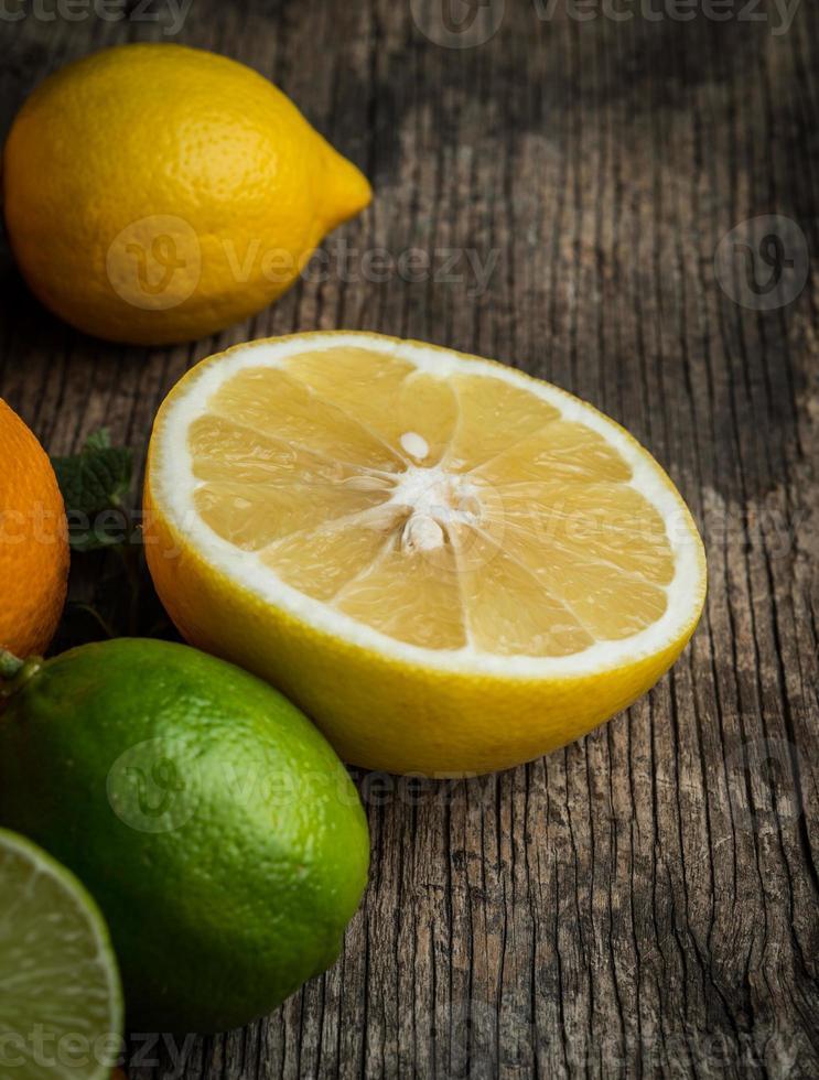 Fondo de frutas cítricas frescas foto