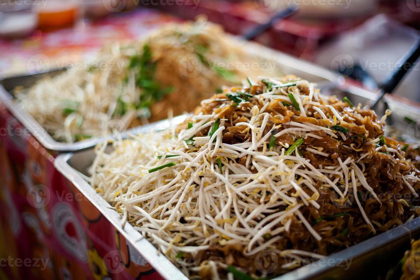 almofada de macarrão tailandês tailandês foto