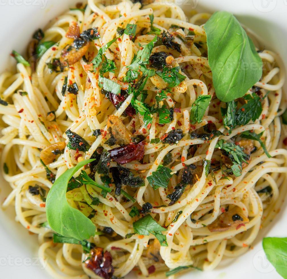 Italian pasta aglio olio photo