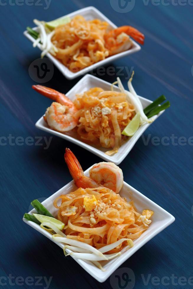 Pad thai shrimp. photo