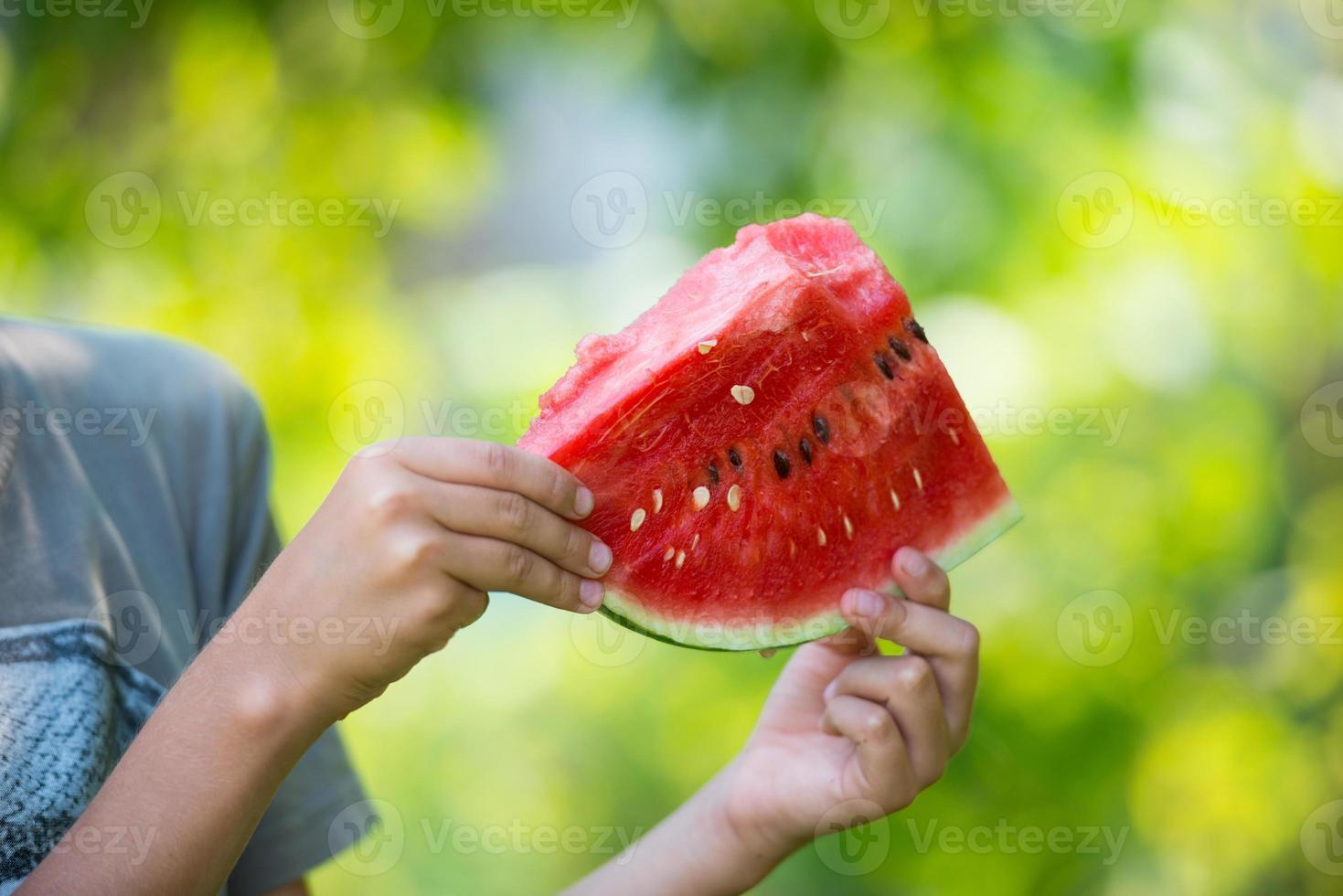 watermeloen in de hand foto
