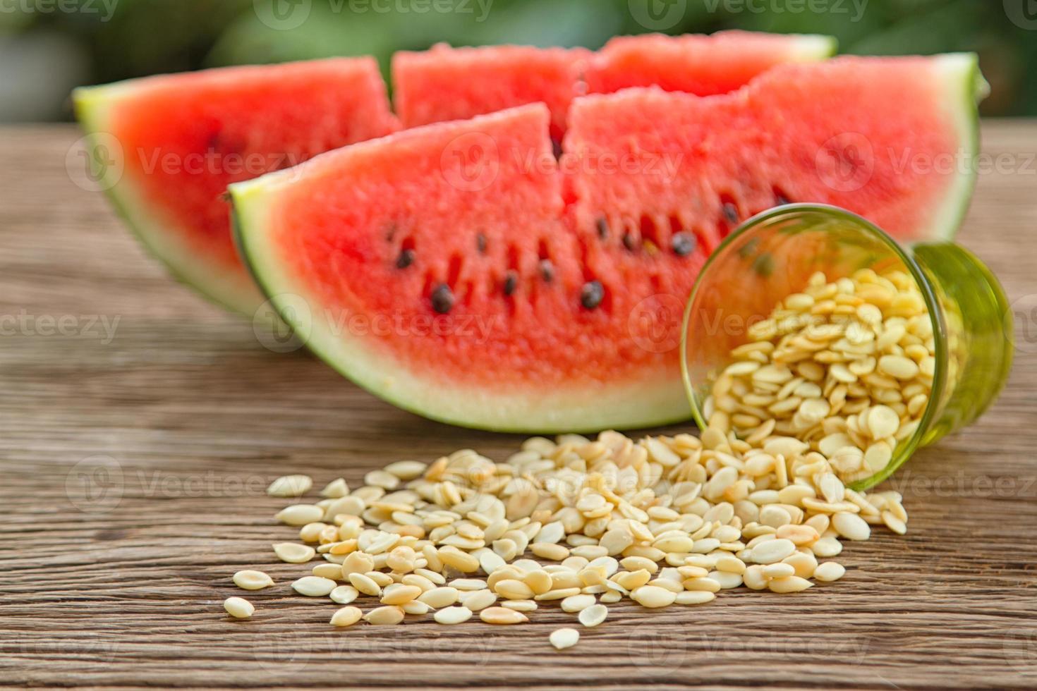 sementes de melancia sem casca foto