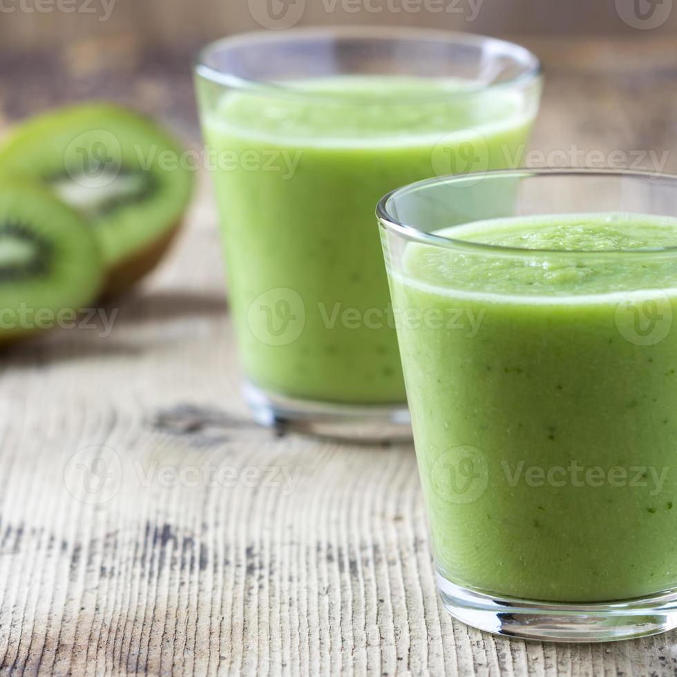 Green kiwi smoothie photo