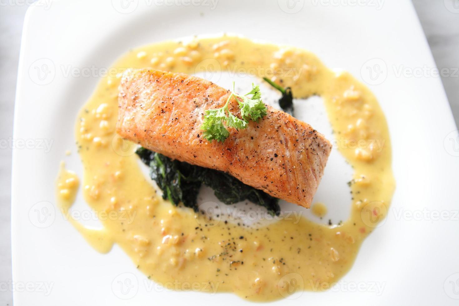 salmón al horno foto
