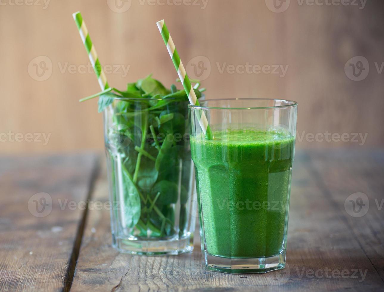 Spinach smoothie photo