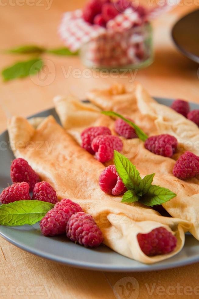 Crepe raspberry photo