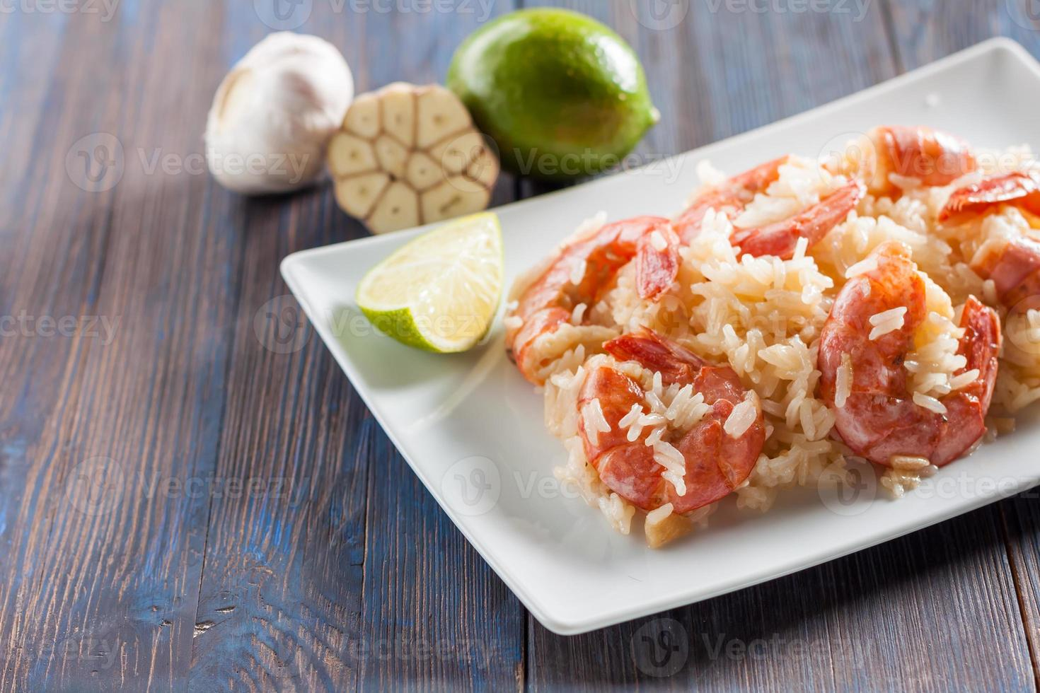 shrimp with garlic, lime and rice photo