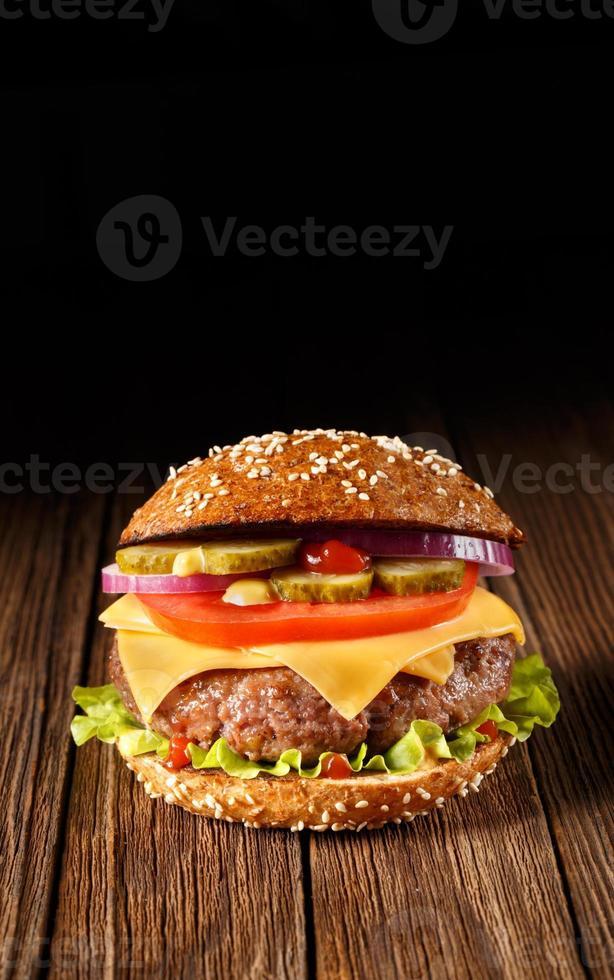 hamburguesa con queso de cerca. foto