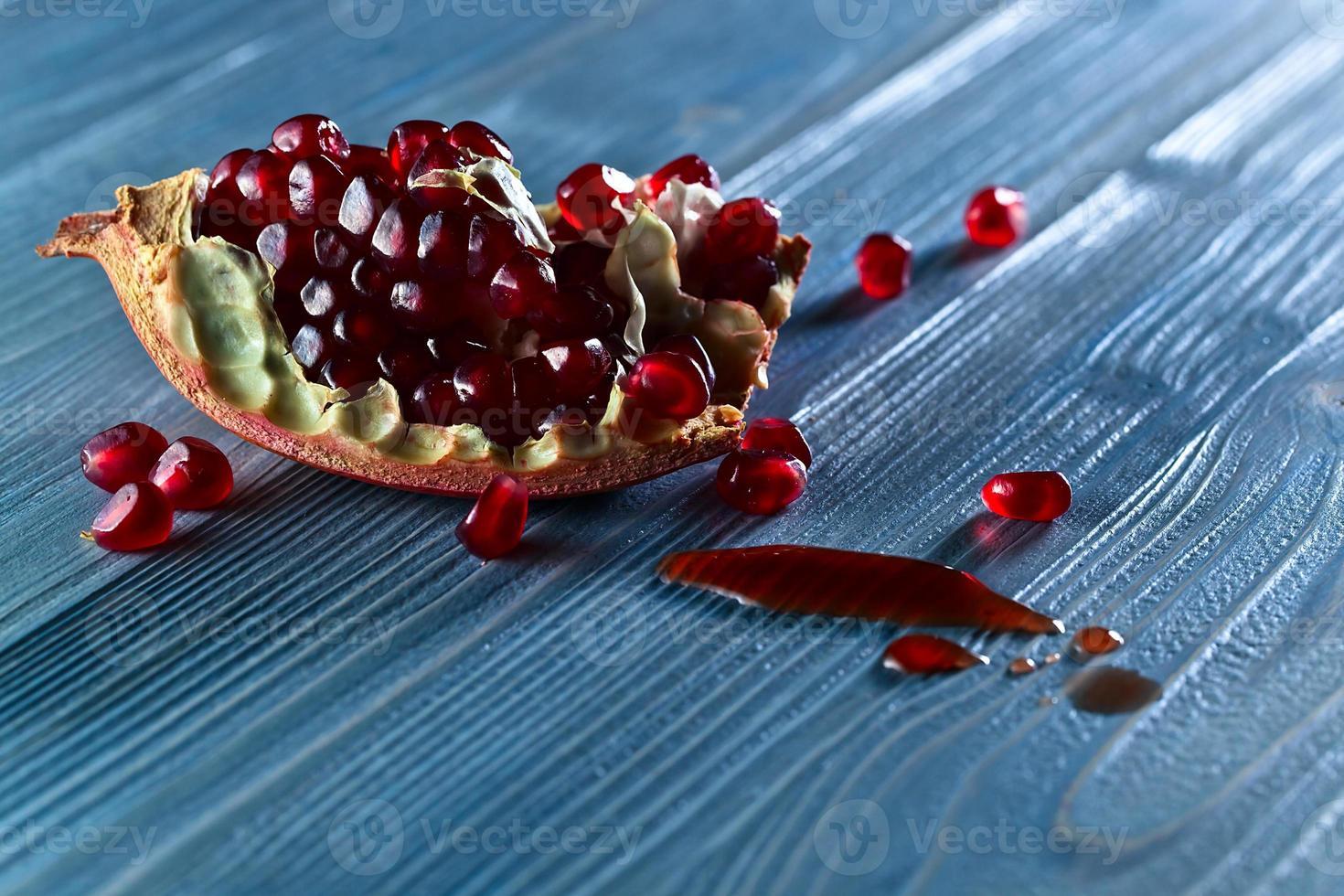 ripe pomegranate photo