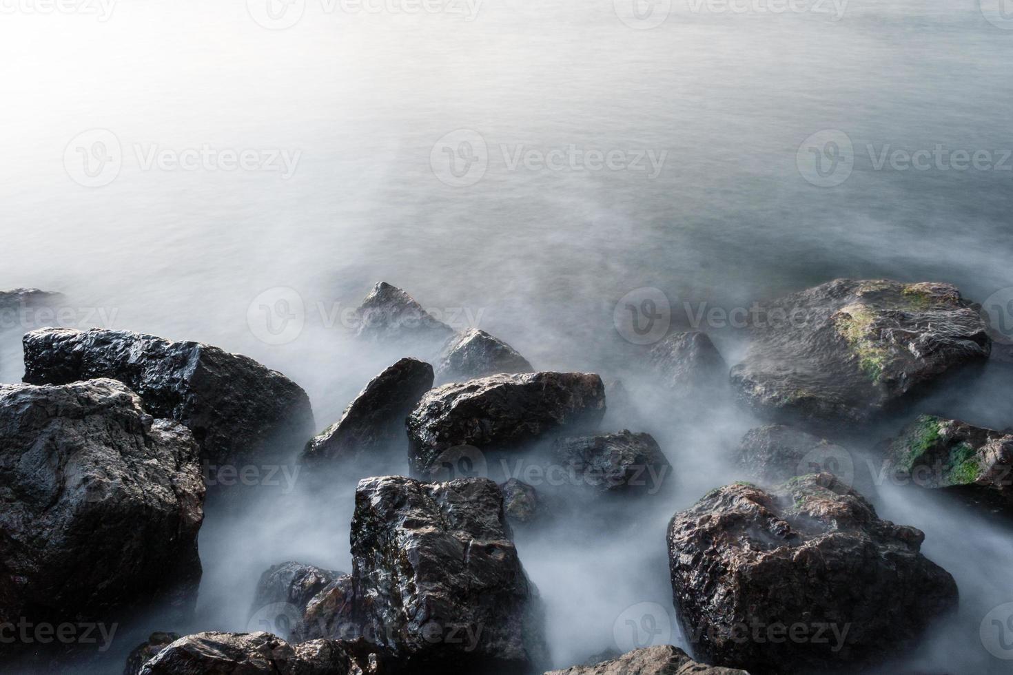 rocas marinas foto