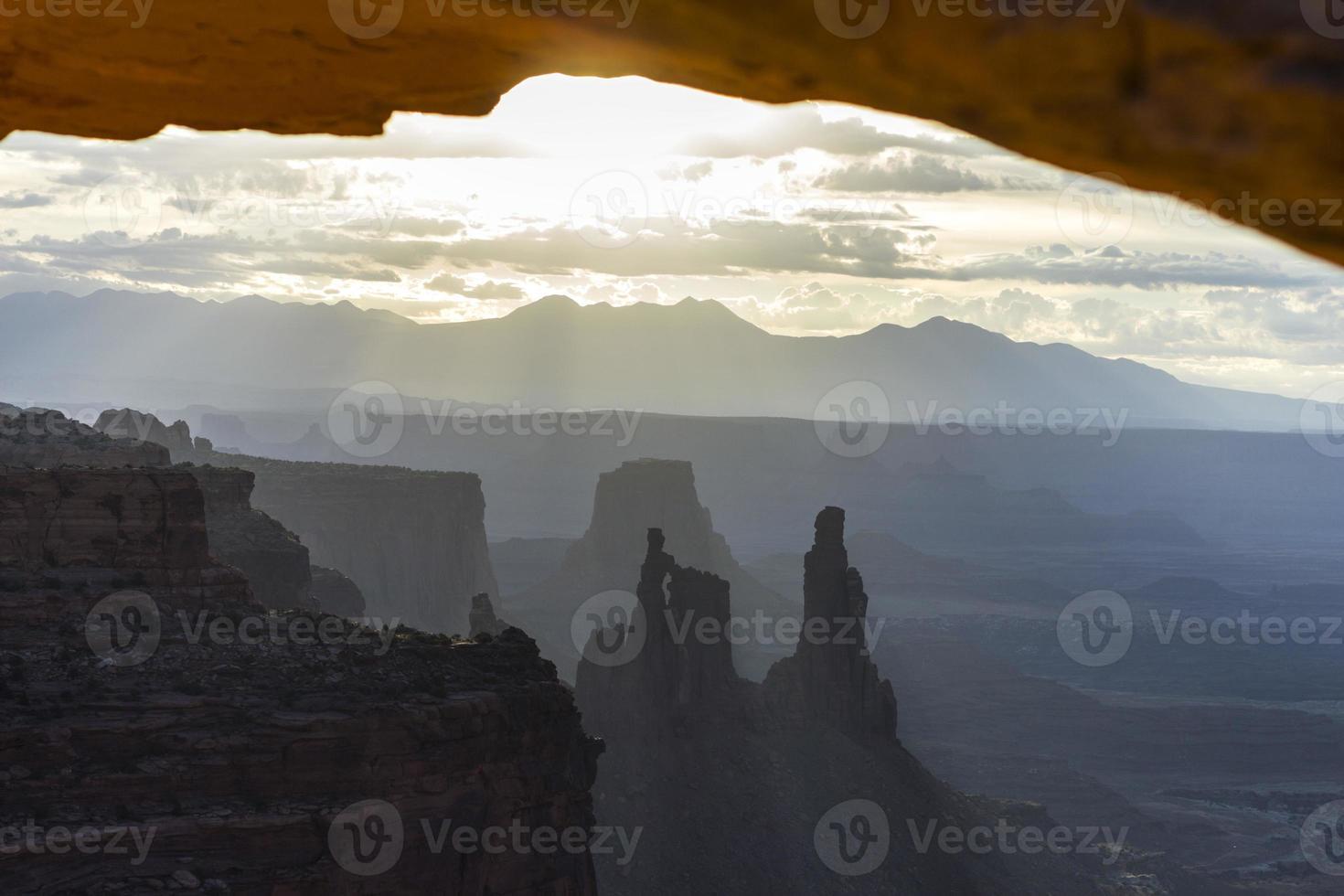 vistas del parque nacional canyonlands, arco de mesa foto