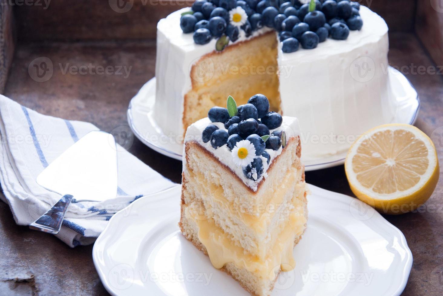 pastel de limón y arándanos foto