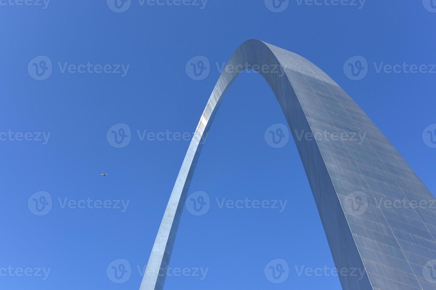 Saint Louis Gateway Arch photo