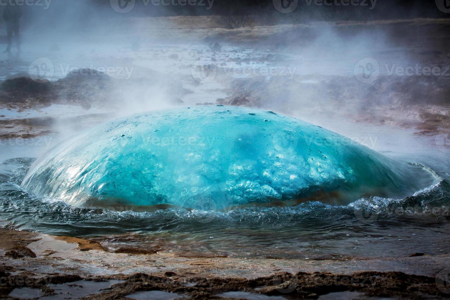 géiser en erupción en Islandia foto